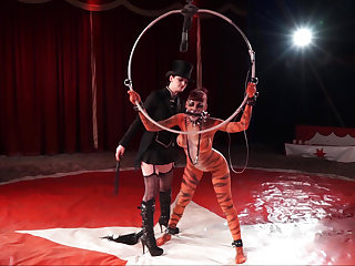 Dark lezdom circus with respect to a tiger slave