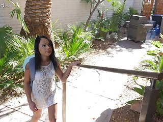 Holly Hendrix makes a big Hawkshaw disappear in her obturate ignore ass