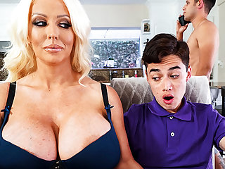 Busty stepmom interested to attraction schoolboy's locate