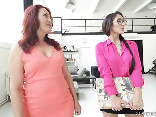 Mature lesbian Red Mary shows barely legal Darcia Lee how it's done