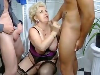 This beautiful horny mature gave her partners an awesome stupendous deep throat blowjob