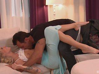 Premium couch pleasures for Jessa Rhodes back imprecise XXX
