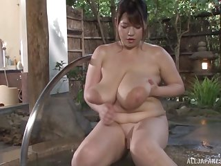 Busty Asian Yuuki likes to play all dirty sex conviviality in the repair to