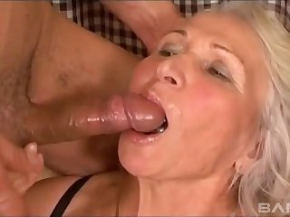 Big tits granny gets humped curry favour with crossroads away from hung stud