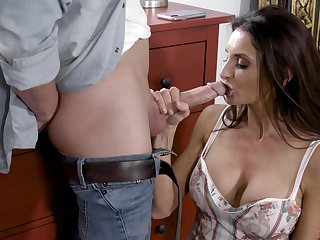 Silvia Saige is enlightened by invigorating sex with a younger man