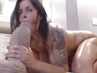 Dark Haired Lady Old lady Webslut Enjoy Aggravation Humping